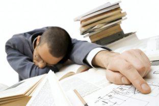 Como afecta el déficit de sueño a nuestro rendimiento y al PIB .